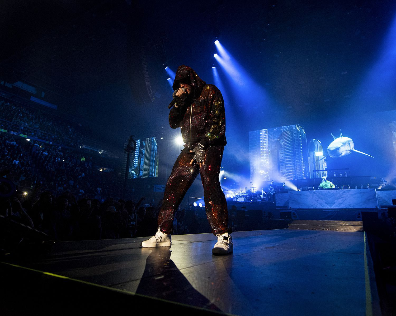 """""""Make some noise for Gue Pequeno, the past, present and future of italian rap. IUTER,supported by Swarovski, dressed Gue for his most important concert to date at the Assago Forum ."""